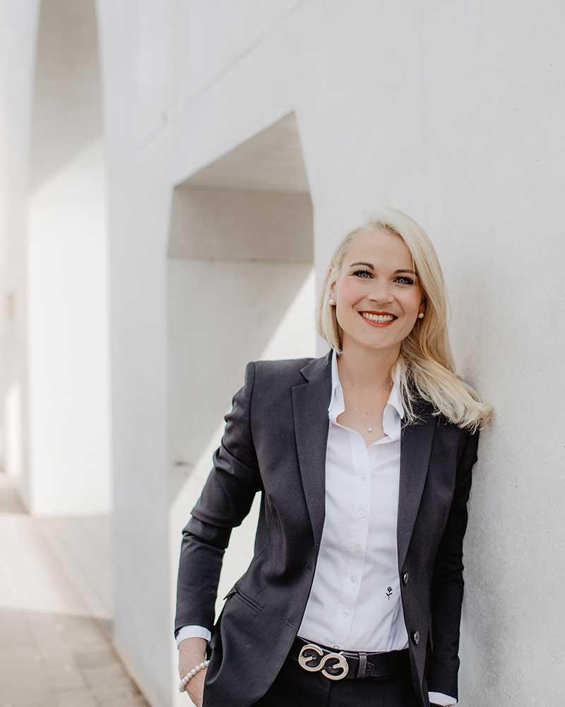 Dr. jur. Christina Hellmuth Rechtsanwältin und Steuerberaterin in Lauf an der Pegnitz