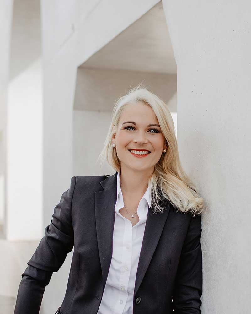 Dr. jur. Christina Hellmuth, Rechtsanwältin und Steuerberaterin in Lauf an der Pegnitz