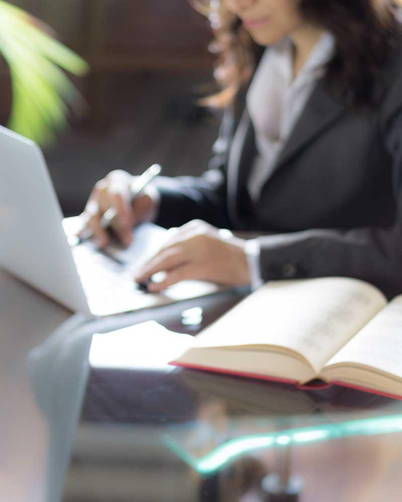 Steuererklärungen, Dr. jur. Christina Hellmuth, Rechtsanwältin und Steuerberaterin in Lauf an der Pegnitz